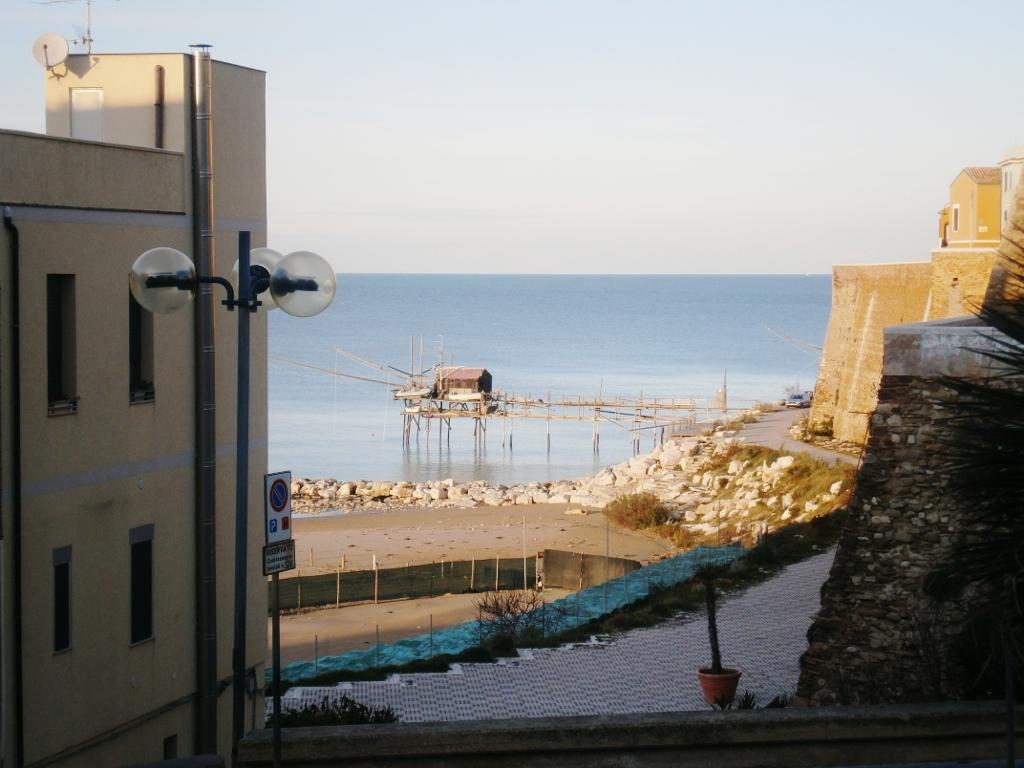 Hotel Corona, albergo a Termoli. Soggiorno per lavoro o vacanze: ogni esigenza sarà soddisfatta.